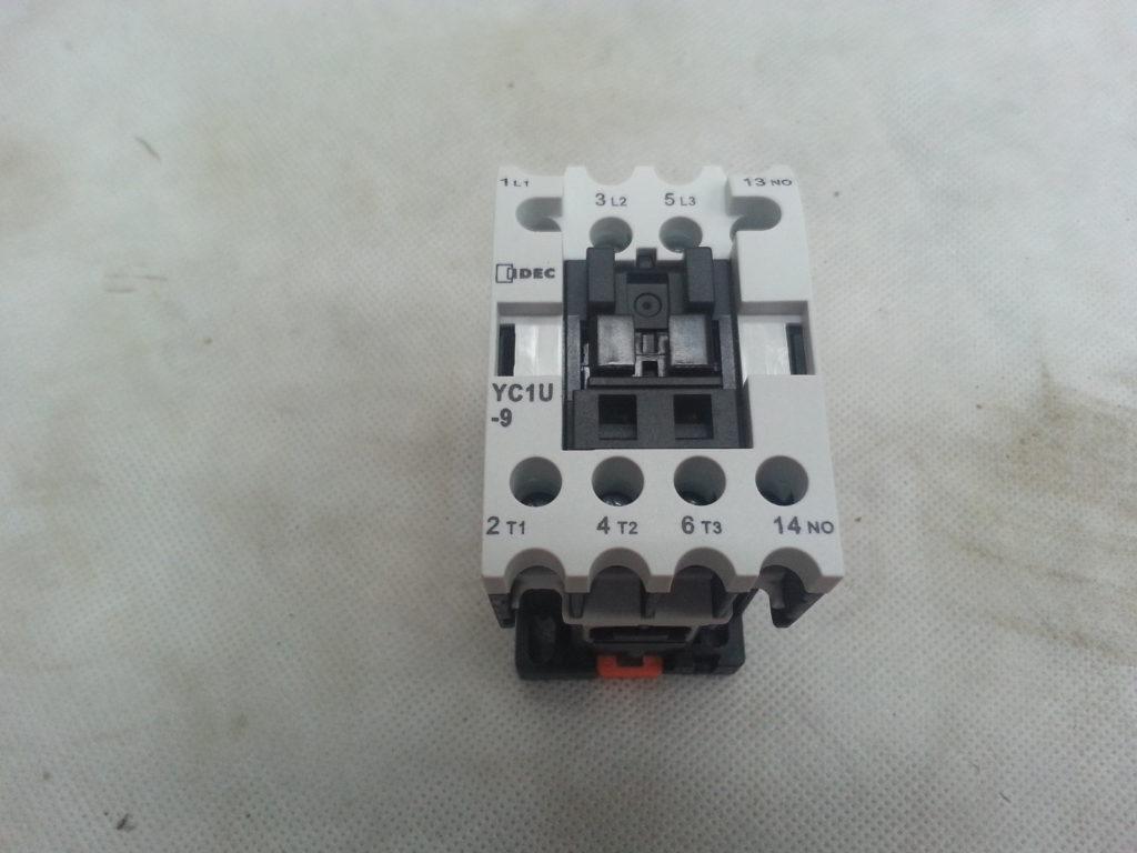 CONTACTOR, 240 VOLT MOTOR #YSIN-9F10A240 Image